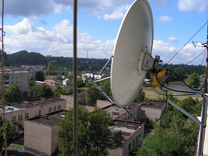 How to connect a satellite dish to the computer