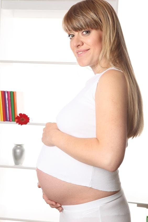Как предотвратить появление растяжек при беременности