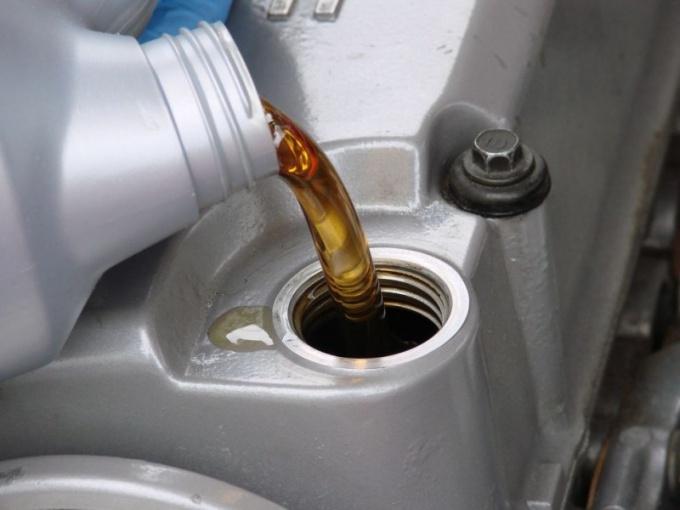 Как поменять масло в авто