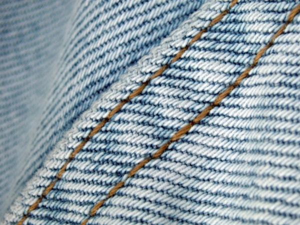Как починить протертые джинсы