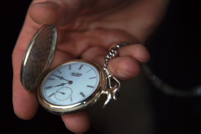 Как позолотить часы