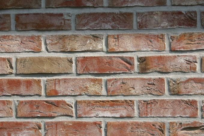 How to age bricks