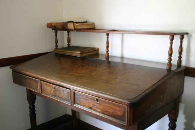 Как разобрать стол
