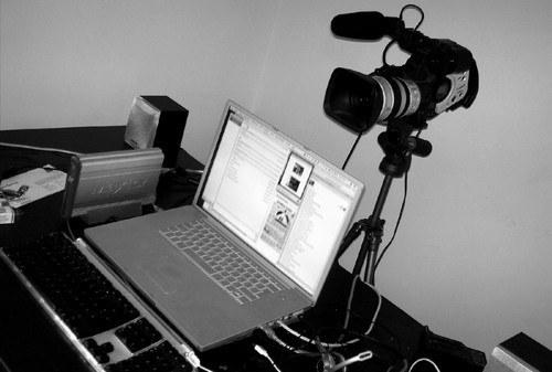 Как загрузить видео с камеры