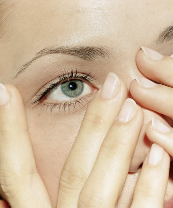 How to remove traces of acne