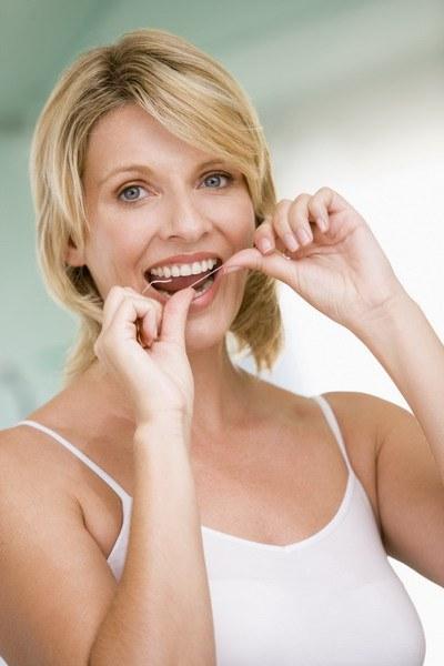 Как добиться белизны зубов