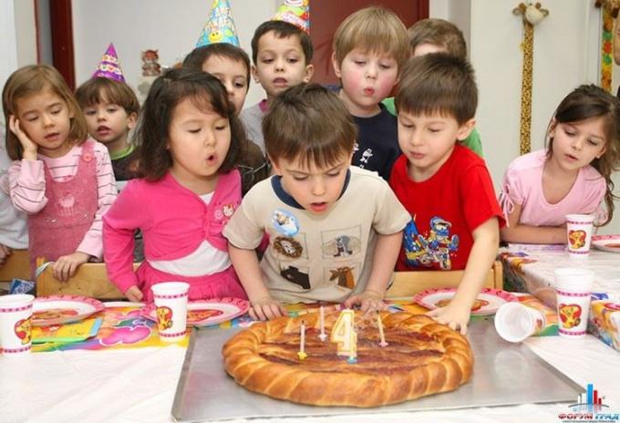 Как отметить день рождения в детском саду