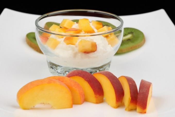 Как приготовить манную кашу с фруктами