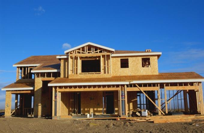 Как построить щитовой домик