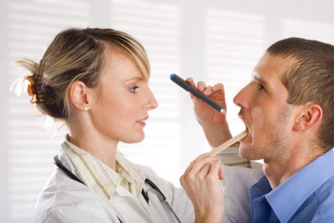 Как определить красное горло