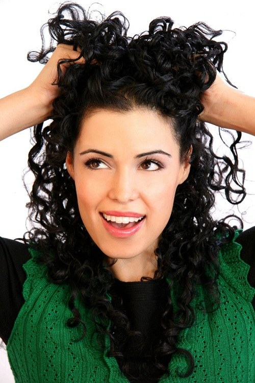 Как укладывать кучерявые волосы