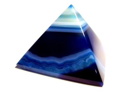 Как возвести сечение пирамиды