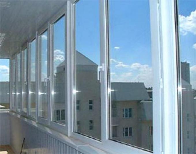 Как установить окно на лоджию