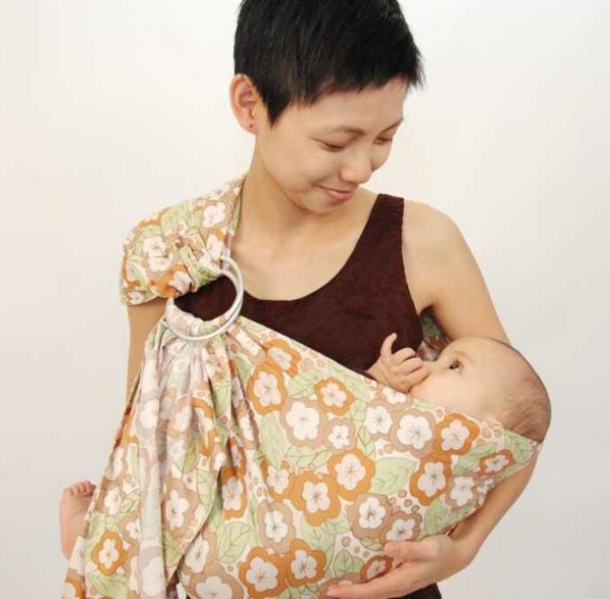 Слинг своими руками для новорожденного из простыни