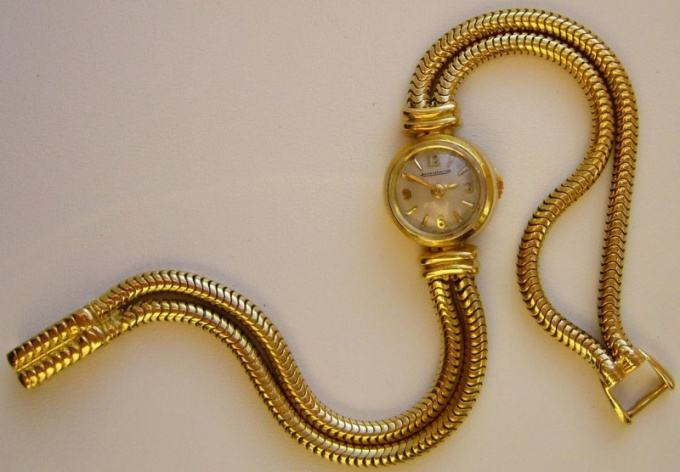 Как выбрать золотые часы