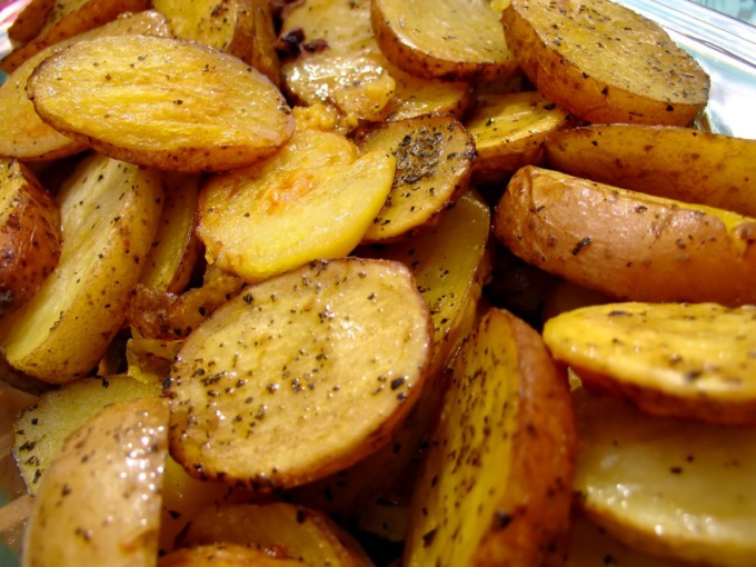 Как пожарить вкусно картофель
