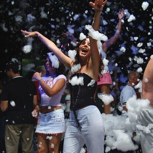 Как провести вечеринки в клубе