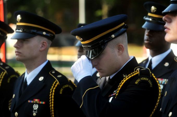 Как поступить в военное учебное заведение