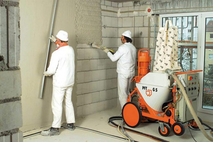 Как выровнять стены под покраску