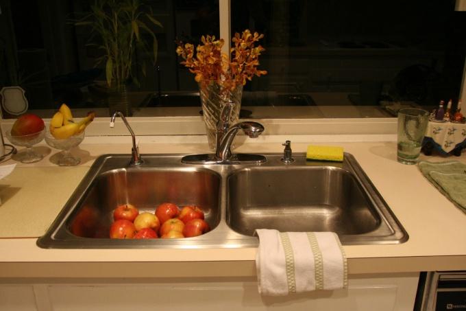 Как установить кухонную мойку
