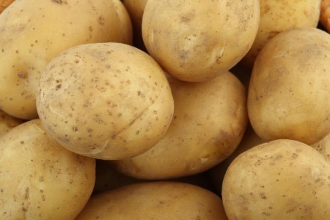 Как приготовить вареную картошку