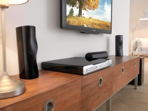 How to connect speakers to DVD