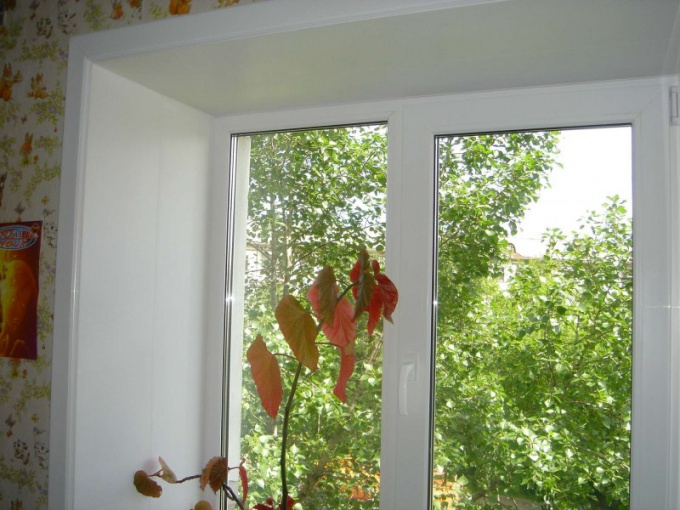 Как отделать откосы на окнах