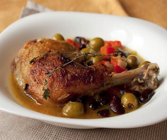 Как потушить курицу в духовке