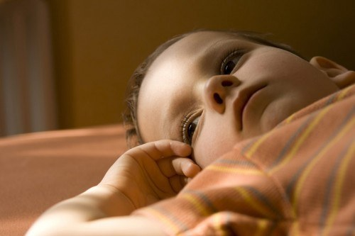 How to determine intracranial pressure in a child