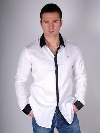 Как стирать белые рубашки