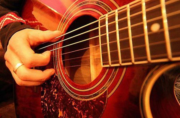 Как настроить гитару по ладам