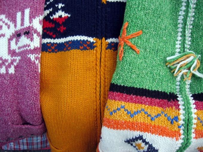 Как вязать разными цветами ниток