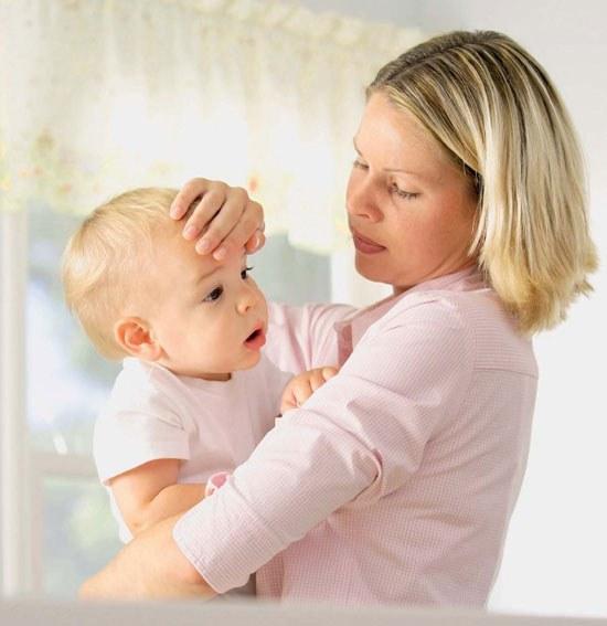 Как вылечить насморк у новорожденного ребенка