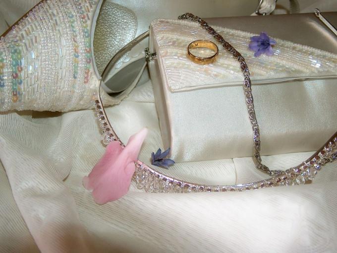 Как сшить свадебную сумочку