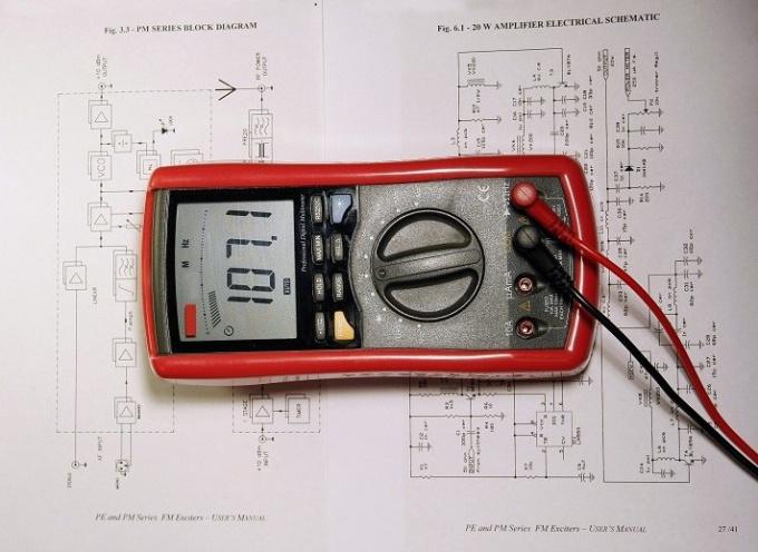 Как провести электропроводку в деревянном доме