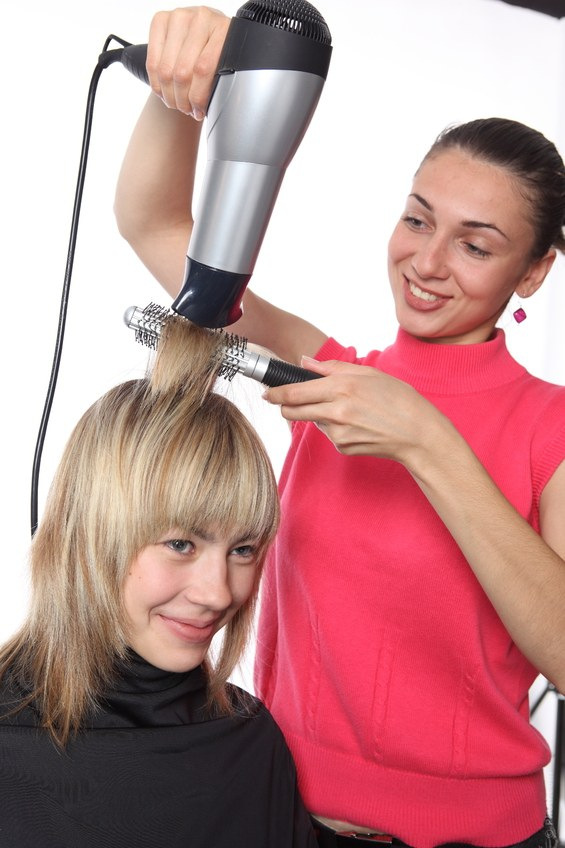 How to wind hair with a hair dryer