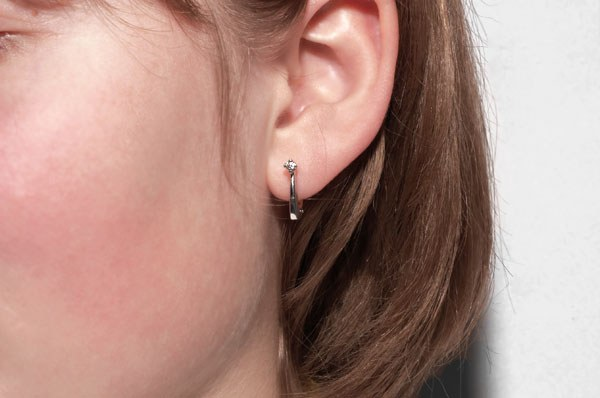 How to pierce your ear yourself
