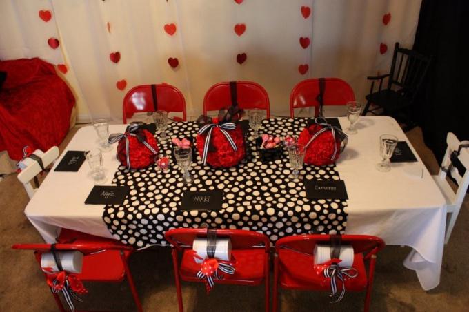 Как украсить зал на День Святого Валентина
