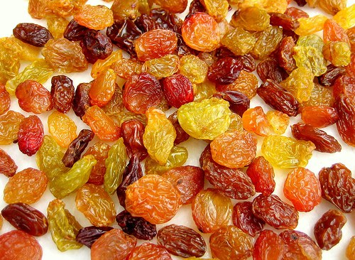How to cook stewed raisins