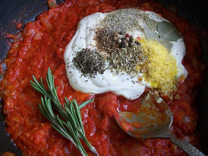 Как приготовить соус для вегетарианских голубцов