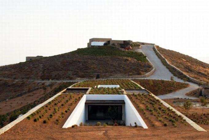 Как построить подземный дом