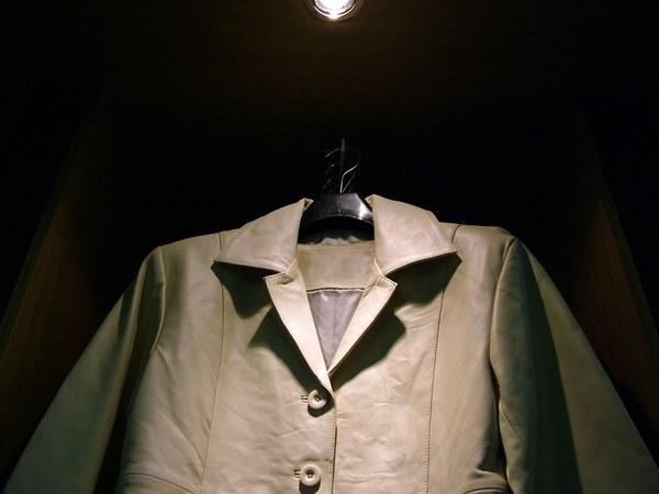 Как убрать катышки на пальто