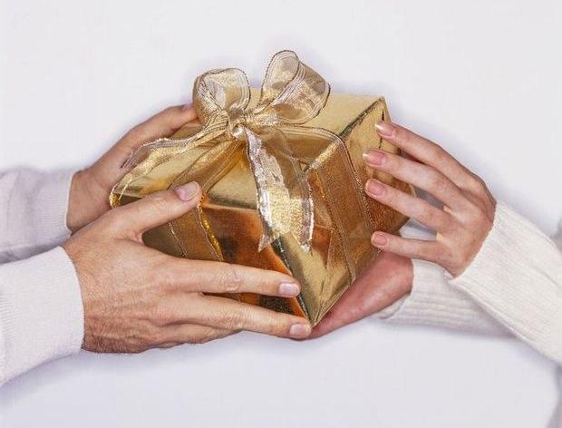 Как поздравить знакомого с днем рождения