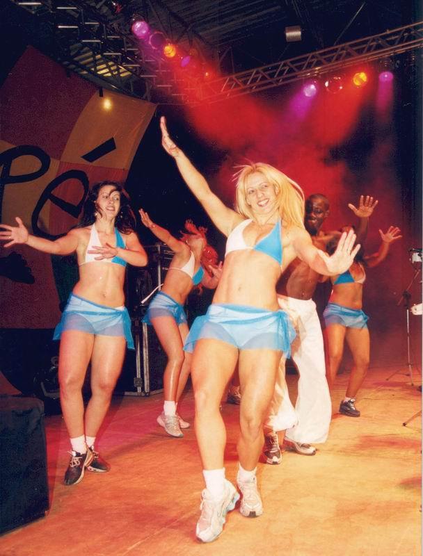 Как научиться танцевать клипы