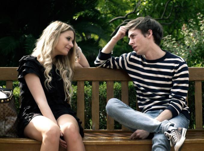 Как осознать поведение девушки