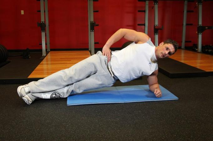 Как накачать мышцы поясницы