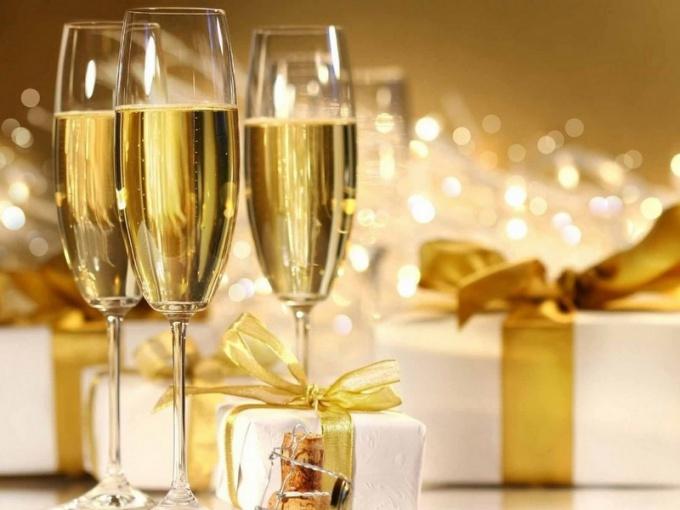Как поздравить родных с Новым годом