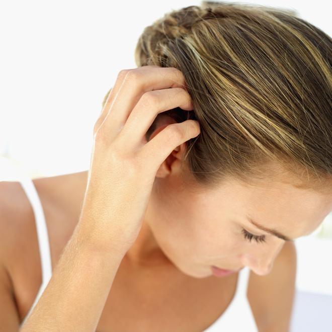 Как смыть с волос лак