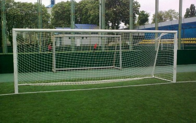 How to make a football goal