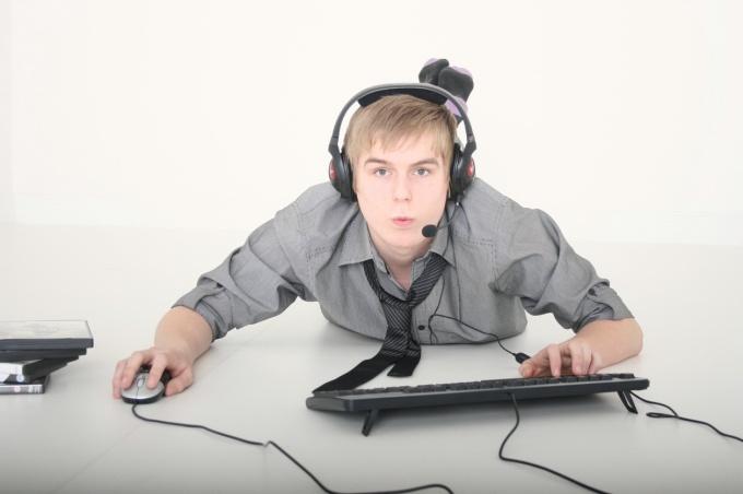 Как отучить парня от компьютерных игр